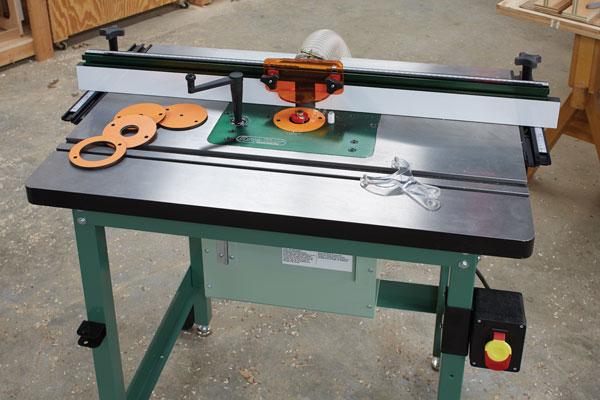 Sử dụng máy phay tay làm máy phay bàn